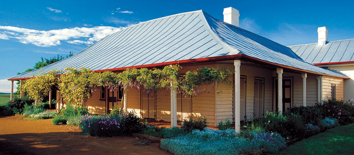Yass Cooma Cottage House