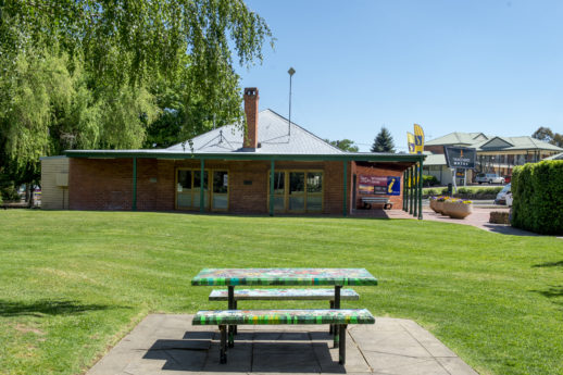 Yass Valley Information Centre - Coronation Park