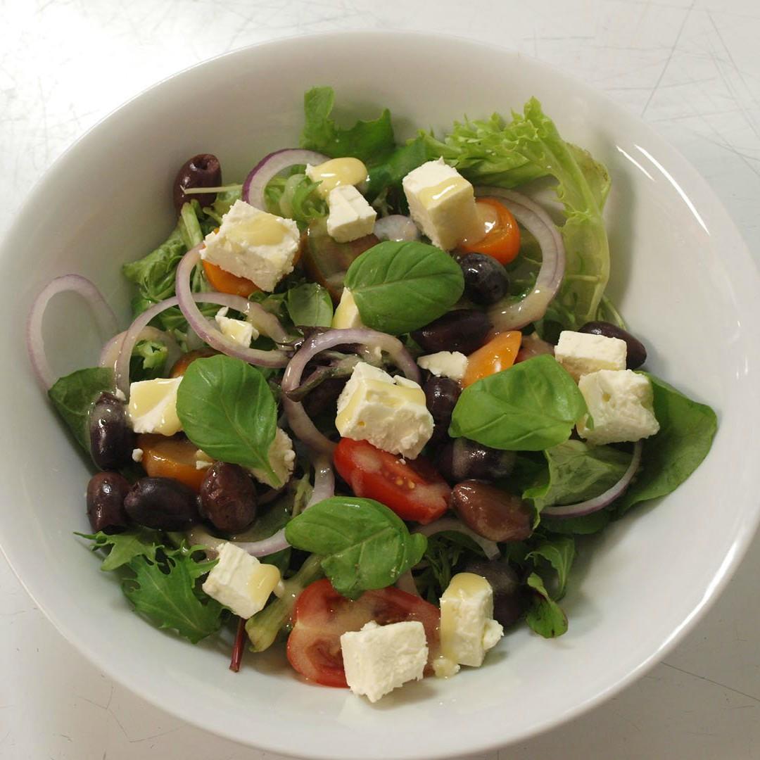 Greek+Salad+(2)